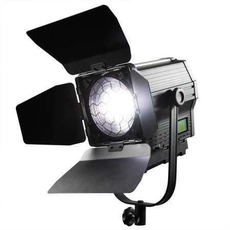 NANGUANG FRESNEL LED Studioleuchte CN-100 FDA, 100 W, 10-60° DMX